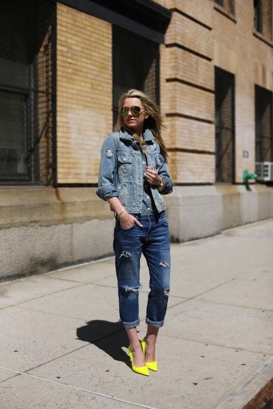 Look todo jeans, lindo! E adorei o destaque no sapato.